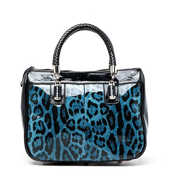 2bc3e3a0aaad Acasta: пристальный взгляд на женские сумки